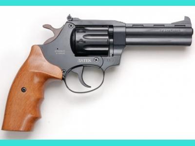 Револьвер Сафари РФ-441 (буковая рукоять)